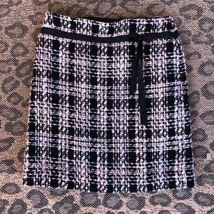Ann Taylor Loft size 6 skirt, black and lt pink